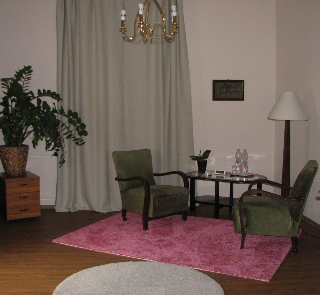 bérelhető szoba segítő beszélgetéshez, terápiához